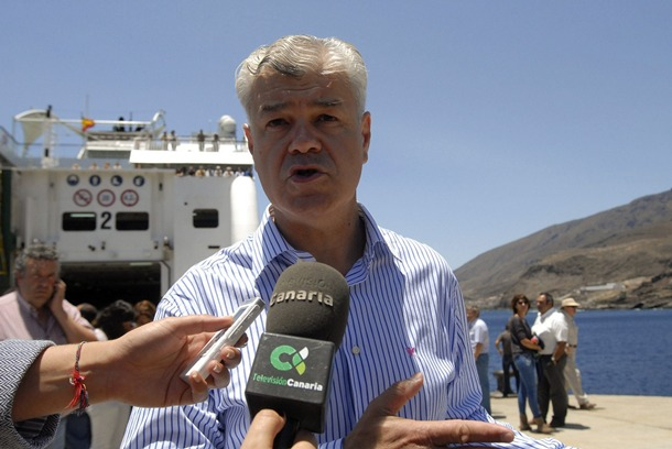 Alpidio Armas presidente Cabildo de El Hierro Naviera Armas