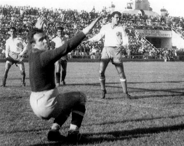 Antonio fue jugador blanquiazul desde 1947 hasta 1959. | ACAN