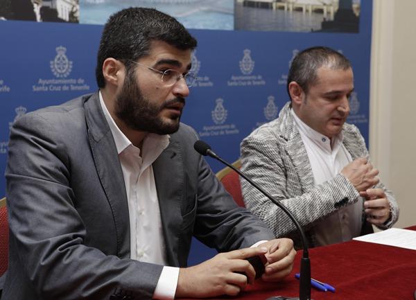 Pérez Ventura y José Manuel Corrales, ayer en rueda de prensa. | O. M.