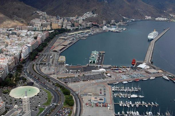 La primera fase permitirá que, al menos en una parte y hasta que haya dinero para el resto, puerto y ciudad estén conectados de forma directa. / MOISÉS PÉREZ