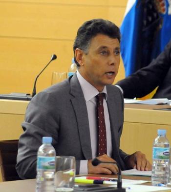 El consejero insular de Presidencia y Hacienda, Víctor Pérez. / J.G.