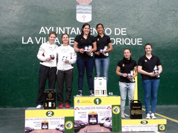Patricia González y Maria Medina en lo más alto del podio y Miriam Aranaz y Cristina Reygosa en la tercera plaza.   DA