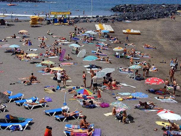 La nueva norma estatal abre el abanico de posibilidades para celebrar espectáculos en el litoral. / DA