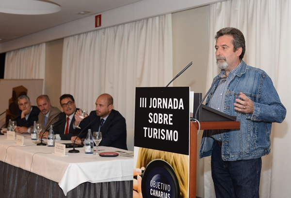 Francisco Javier de la Rosa durante su ponencia. | SERGIO MÉNDEZ