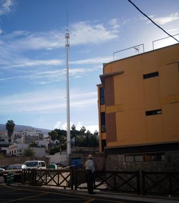 Fotografía de una antena de Telefonía móvil en Guía de Isora
