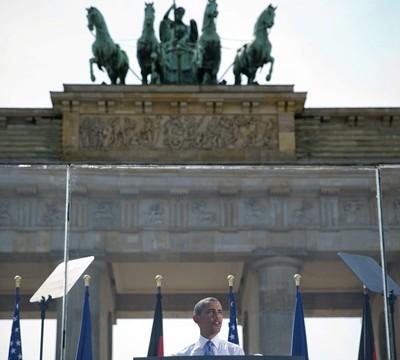Obama repite el simbolismo de Kennedy con su esperado discurso ante la Puerta de Brandeburgo