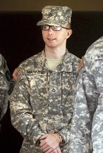 Bradley Manning filtró información clasificada a WikiLeaks