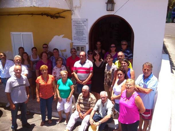 Carmen Luisa Castro y vecinos Santa Lucía-Los Barrancos