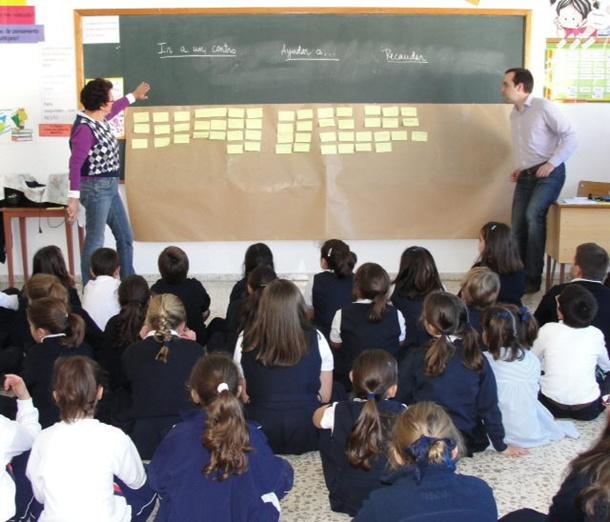clases escuela alumnos estudiantes