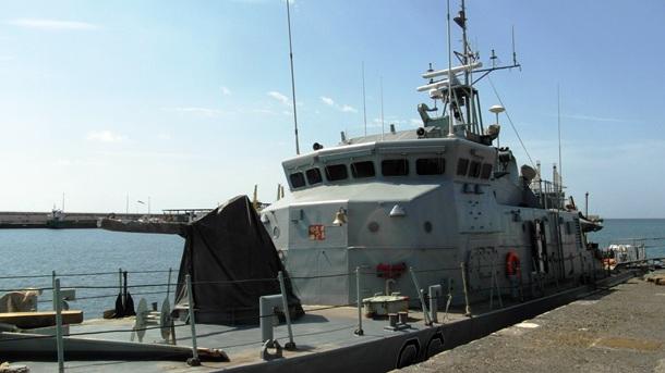 Defender en el Puerto de Santa Cruz de Tenerife