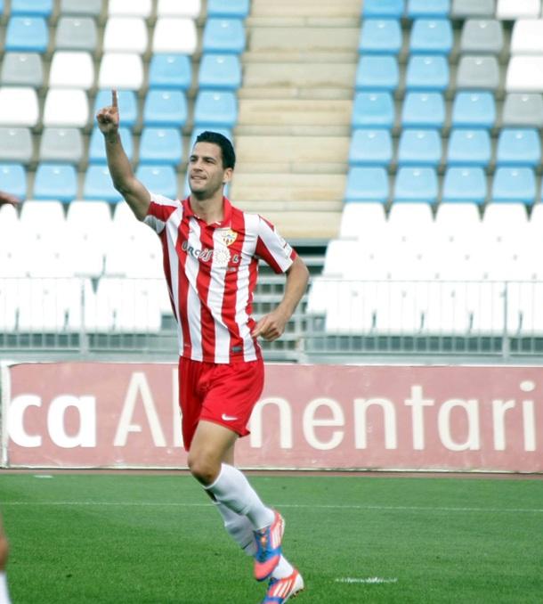 Edgar Méndez jugador tinerfeño del Almería B