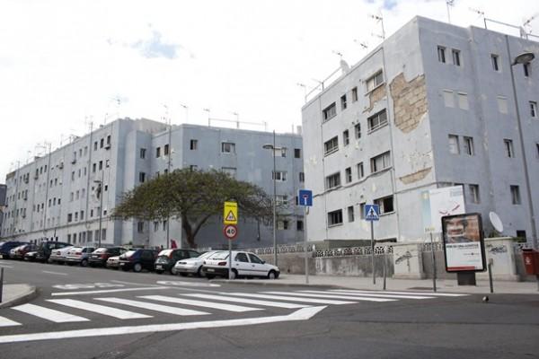 Edificio barrio de La Candelaria Los Gladiolos Santa Cruz