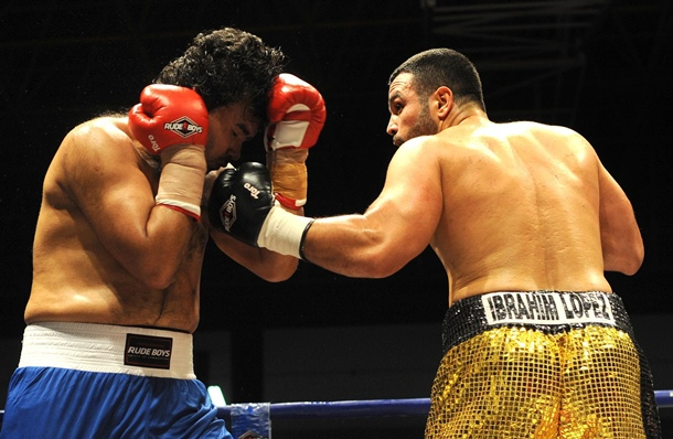 boxeo Ibrahim López contra Álex Matamoros