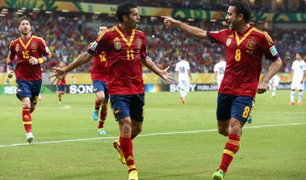 Pedro y Soldado dan a España su primera victoria en la Copa Confederaciones