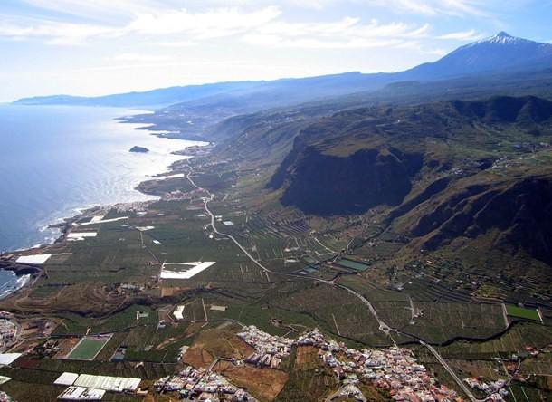 Vista aérea de los acantilados de la Culata y Los Silos
