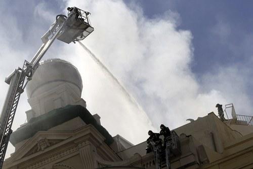 Extinguido el incendio en el teatro Alcázar
