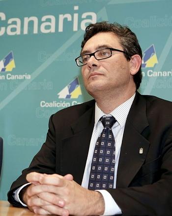 el comisionado para el Autogobierno del Ejecutivo canario, Fernando Ríos