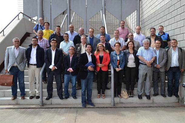 Alcaldes y concejales junto a Ana Lupe Mora en la presentación del operativo Brifor prevencion y extincion incendios forestales