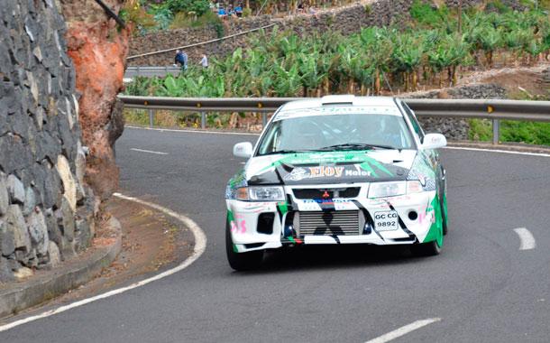 Varios momentos del VI Rally Cielo de La Palma disputado en el tramo Sauces-San Andrés sobre una distancia de 5,5 kms. / DAVID SANZ