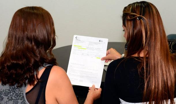 Sanidad pasa factura a los 'sin papeles'