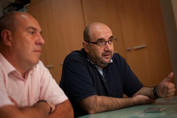 Miguel Borra, presidente de CSI.F., junto al dirigente tinerfeño César Martínez (a la izquierda). | FRAN PALLERO