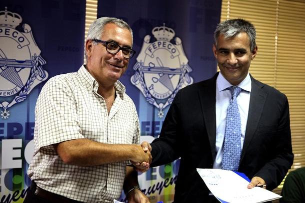 gerente de Fepeco,<strong> Óscar Izquierdo</strong>, y el presidente el Colegio de Farmacéuticos, <strong>Guillermo Schwartz,