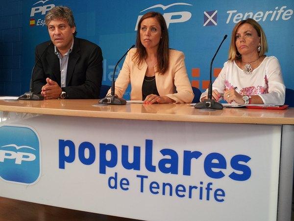 Los concejales populares ayer en rueda de prensa en Santa Cruz. | DA