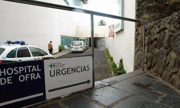 """""""Saturación"""" en Urgencias del HUC tras asumir pacientes del Noroeste"""