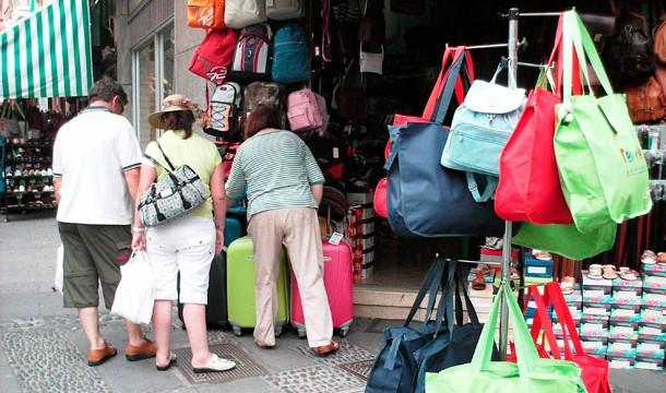 La venta ambulante: un suplicio para CC-PP y los comerciantes portuenses