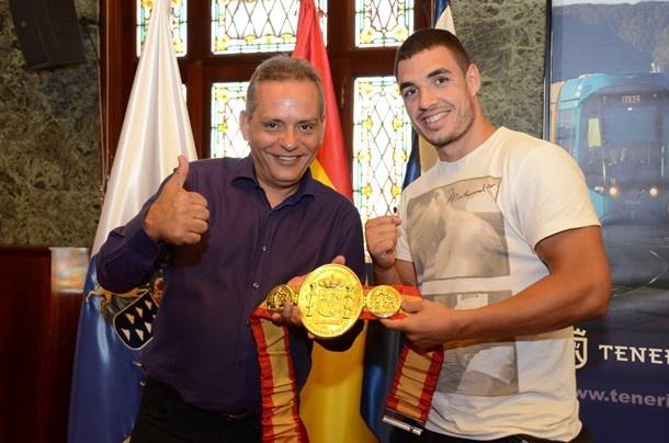Adasat Rodriguez boxeo y Efrain Medina