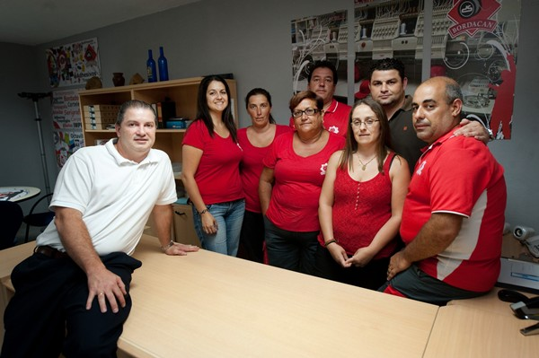 Propietarios y trabajadores de la empresa. | F. P.