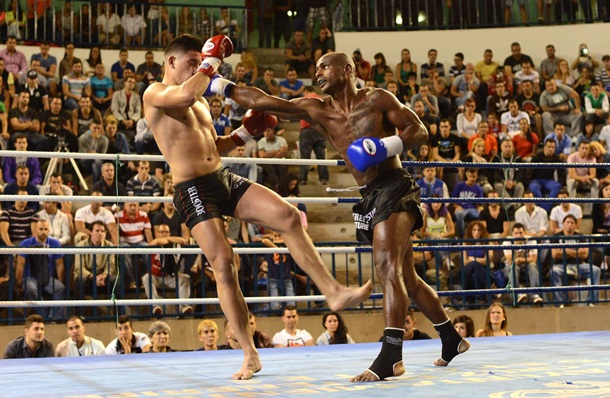 Elam Ngor y Máximo Suárez kickboxing
