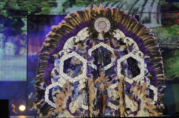 Los creadores de las fantasías aluden a su espectacularidad como seña de identidad de Tenerife. / M. P.