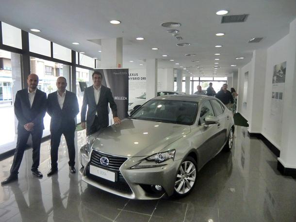 nuevo Lexus IS300h