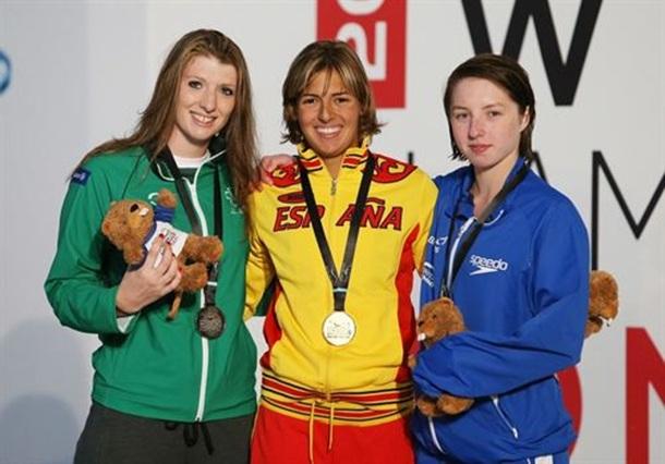Michelle Alonso, feliz en el podio con su medalla de oro mundialista. | DA