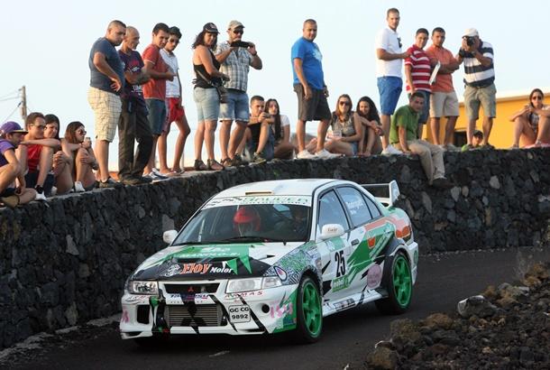 Samuel Rodríguez con su Mitsubishi Lancer Evo VI