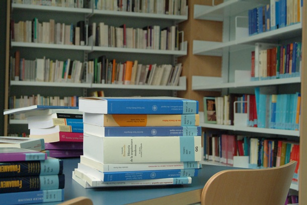 biblioteca Adeje libros