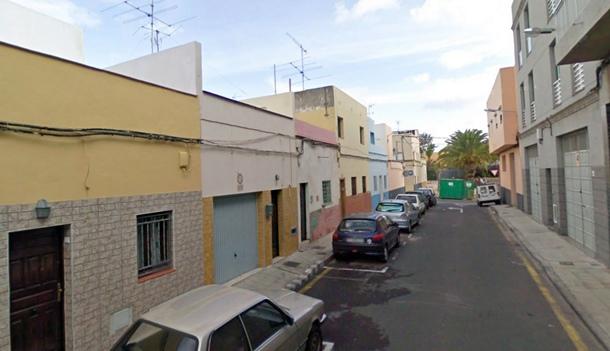 desalojar por riesgo de derrumbe en calle Las Palmeras