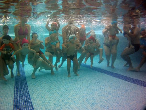 Primer grupo de día de natación para bebés de Los Cristianos. / DA