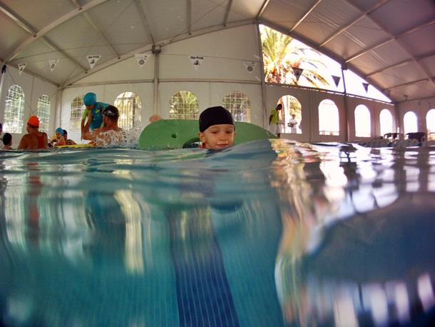 Perder el miedo al agua diario de avisos for Piscina municipal los cristianos
