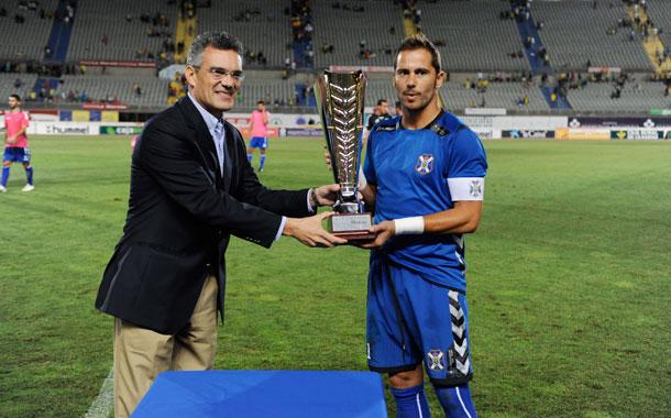 Aragoneses recoge la Copa Mahou. / CANARIAS 7