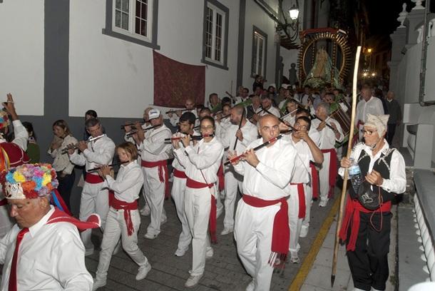 La Virgen de Los Reyes procesiona por Valverde