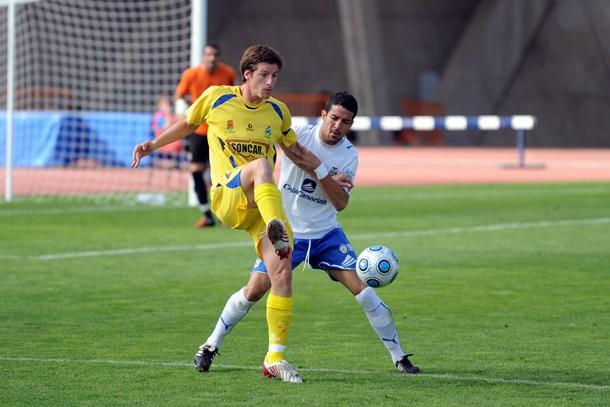 Borja Pérez durante un partido ante el Tenerife B. | S.M.