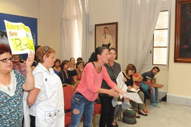 Comision Asuntos Sociales Ayuntamiento Santa Cruz Sonia Fernández  extrabajadora de Mararia