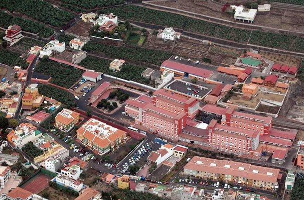 El Hogar Santa Rita tiene una plantilla de 381 empleados que atienden a 772 mayores. / MOISÉS PÉREZ