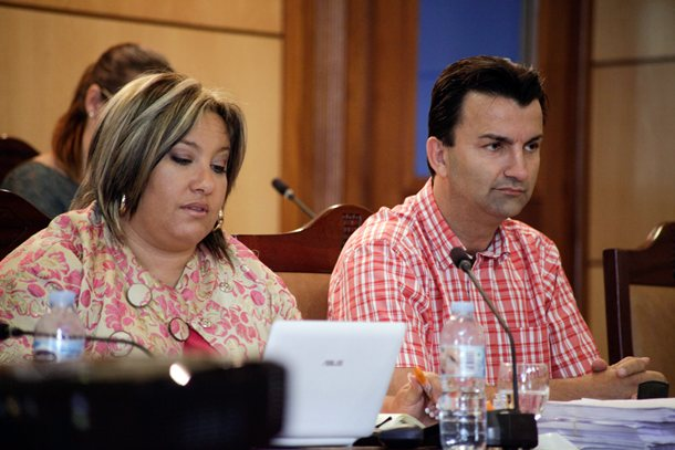 Carina Dainotto y José Fernando Gómez PP pleno Ayuntamiento Candelaria