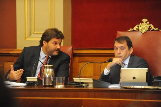 José Ángel Martín y José Manuel Bermúdez durante un Pleno