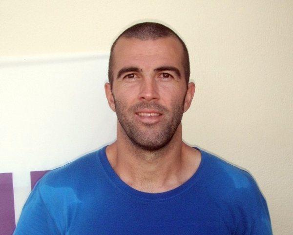 El defensa central, con la camiseta de su club. / www.levadiakosfc.gr