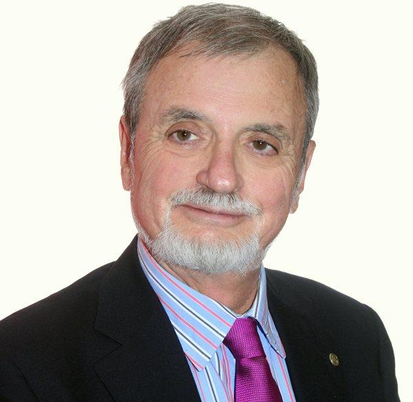 Manuel Más García es catedrático de Fisiología de la Universidad de La Laguna y director del Centro de Estudios Sexológicos (CESEX)