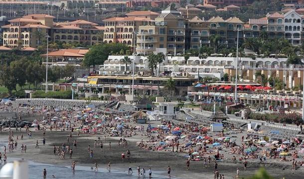 La Isla bate en agosto el récord de contratos en el sector turístico